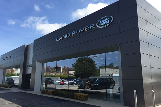Land Rover Barnet