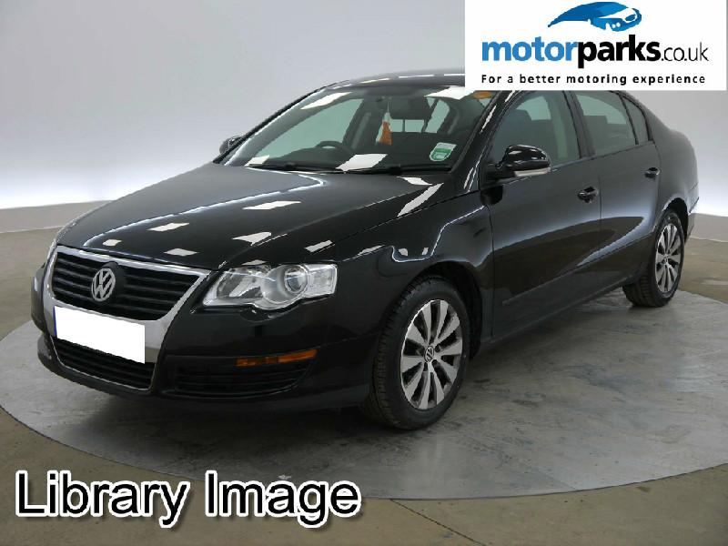Volkswagen Passat 1.6 BlueMotion TDI CR DPF 4dr Diesel Saloon (2009) image