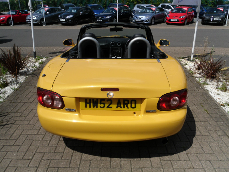 Mazda MX-5 1.6i Arizona 2dr Convertible (2002) image