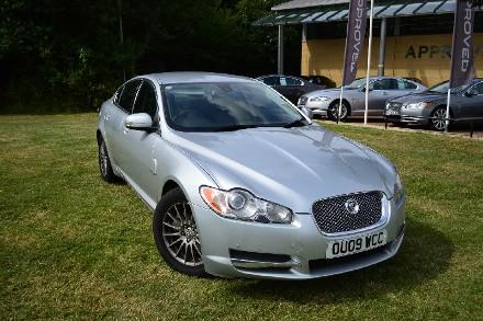 Jaguar XF 2.7d Luxury 4dr Auto image 1