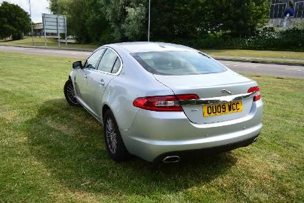 Jaguar XF 2.7d Luxury 4dr Auto image 2