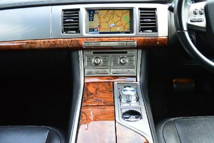 Jaguar XF 2.7d Luxury 4dr Auto image 5
