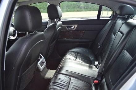 Jaguar XF 2.7d Luxury 4dr Auto image 12