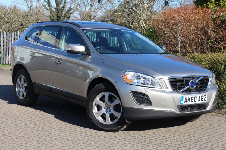 Volvo XC60 D5 [205] SE 5dr AWD Geartronic 2.4 Diesel Automatic Estate (2010) image