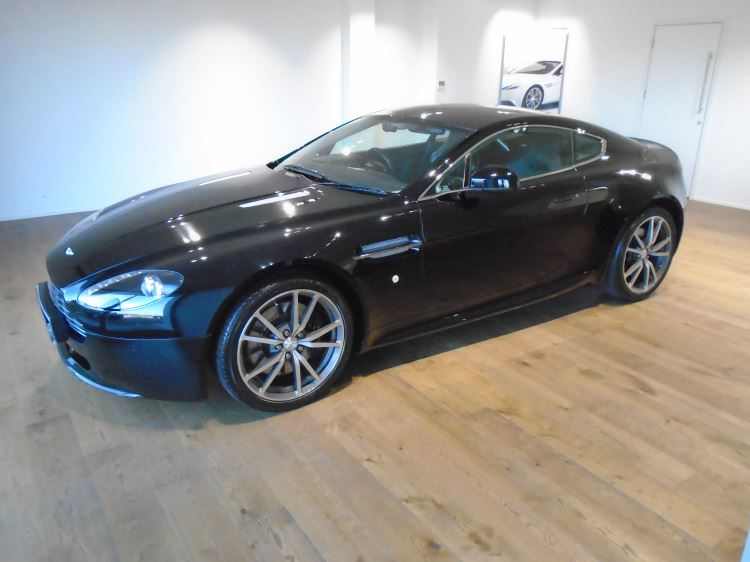 Aston Martin V8 Vantage Coupe 2dr Sportshift [420] 4.7 Automatic 3 door Coupe (2010.75) image