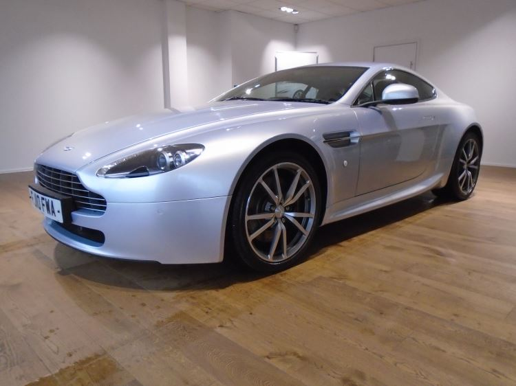 Aston Martin V8 Vantage Coupe 2dr [420] 4.7 3 door Coupe (2010.75) image