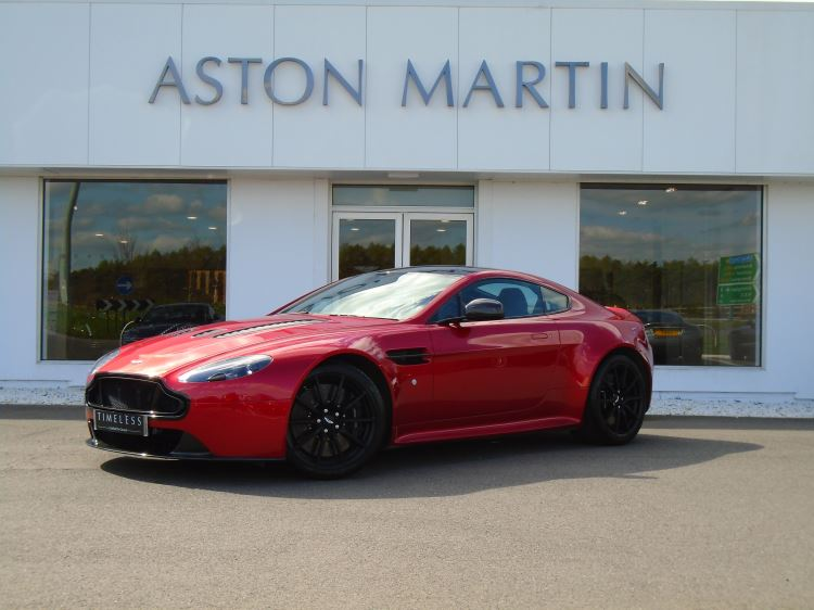 Aston Martin V12 Vantage S Coupe V12 S - 2 Door Sport shift III. Carbon Ceramic Brakes . . Q Special Paint 5.9 Automatic 3 door Coupe