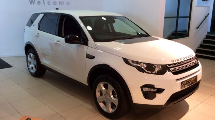 Land Rover Discovery Sport 2.0 TD4 Pure 5dr - Special Editions - Discounted Offer Diesel 4x4 (2017) image