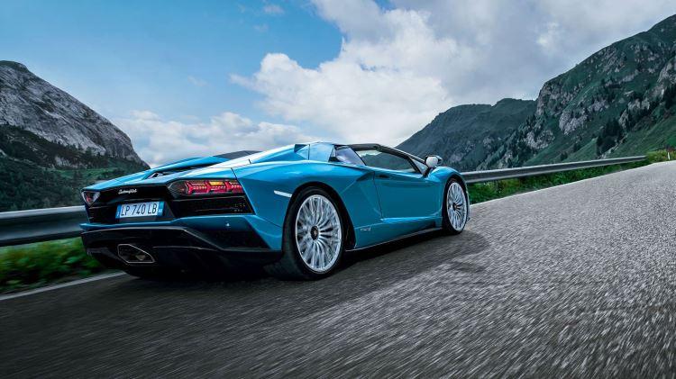 Lamborghini Aventador S Spyder - The Open Top Icon