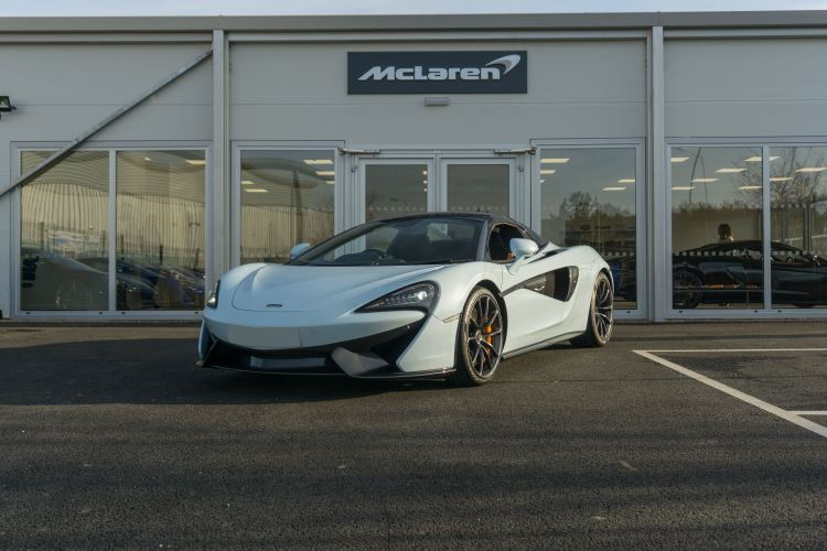 McLaren 570S Spider MSO LAUNCH EDITION 3.8 Semi-Automatic 2 door Convertible (2017) image