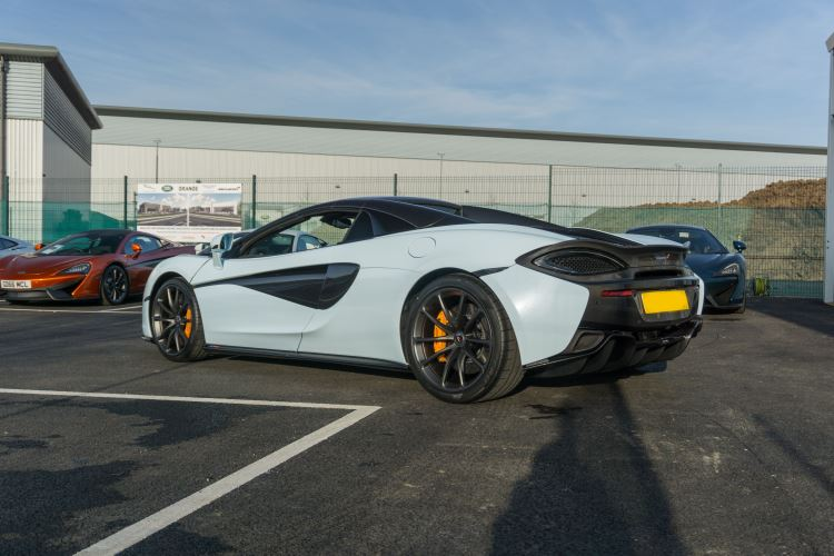 McLaren 570S Spider MSO LAUNCH EDITION image 6