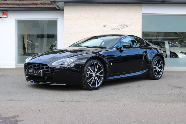 Aston Martin V8 Vantage Coupe N420 4.7 3 door Coupe (Model Year 2011) image