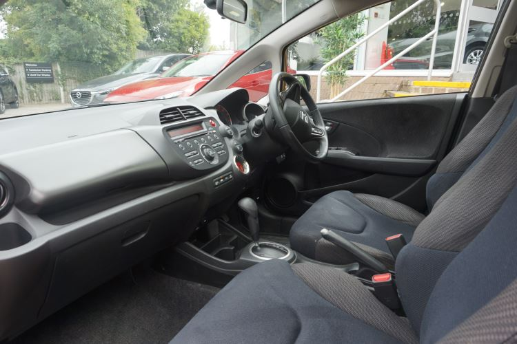 Honda Jazz 1.4 i-VTEC EX CVT image 8