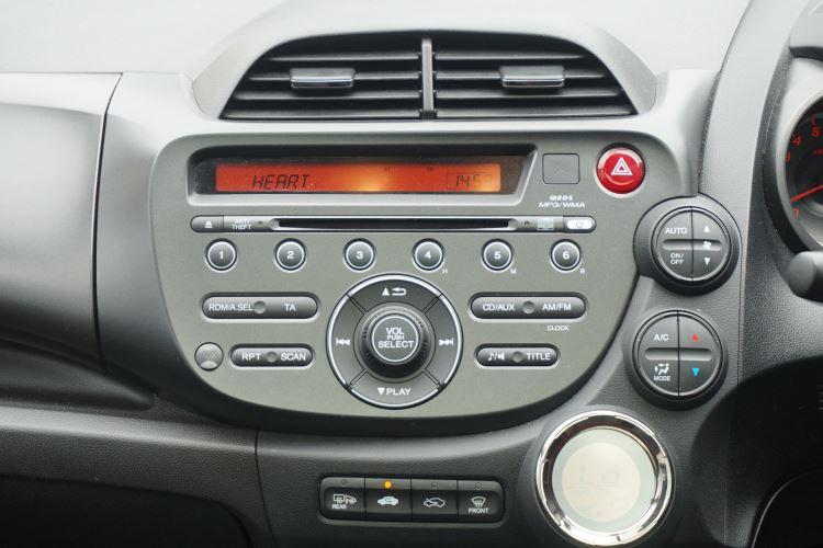 Honda Jazz 1.4 i-VTEC EX CVT image 10
