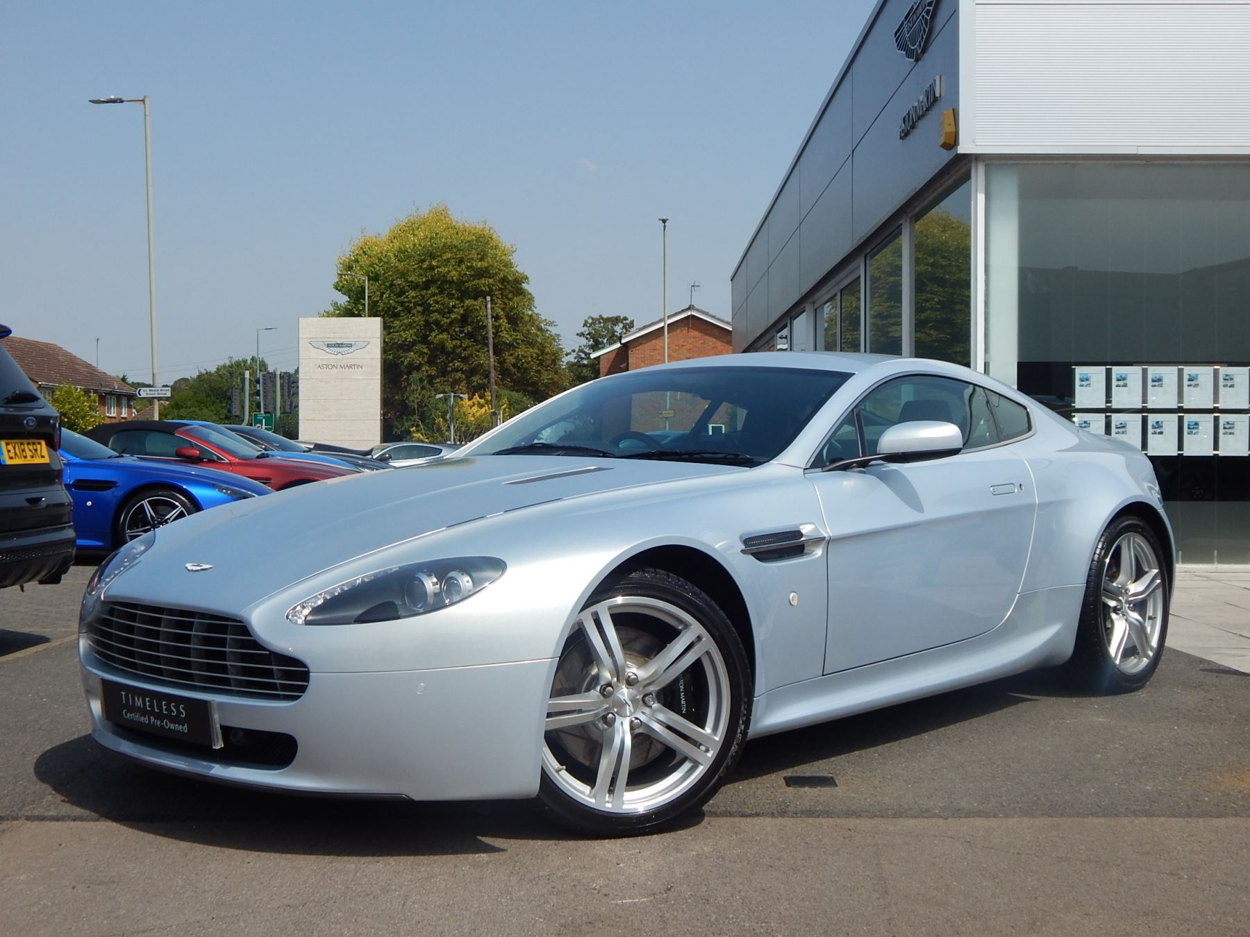 Aston Martin V8 Vantage Coupe 2dr [420] 4.7 3 door Coupe (2009) image