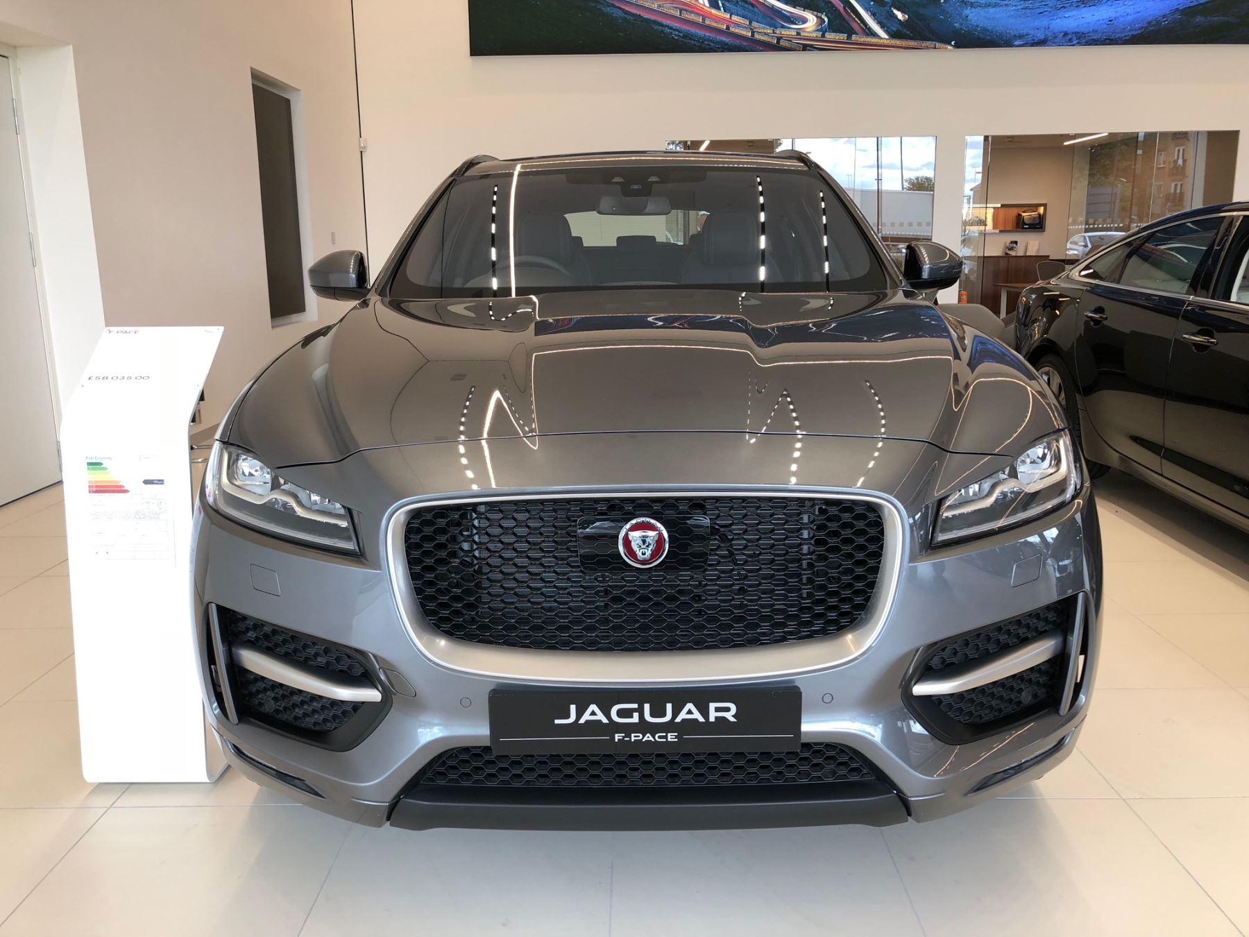 Jaguar F-PACE 2.0d R-Sport AWD image 2