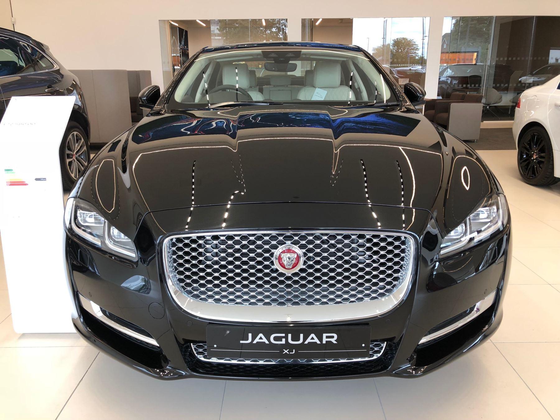 Jaguar XJ 3.0d V6 Portfolio image 2