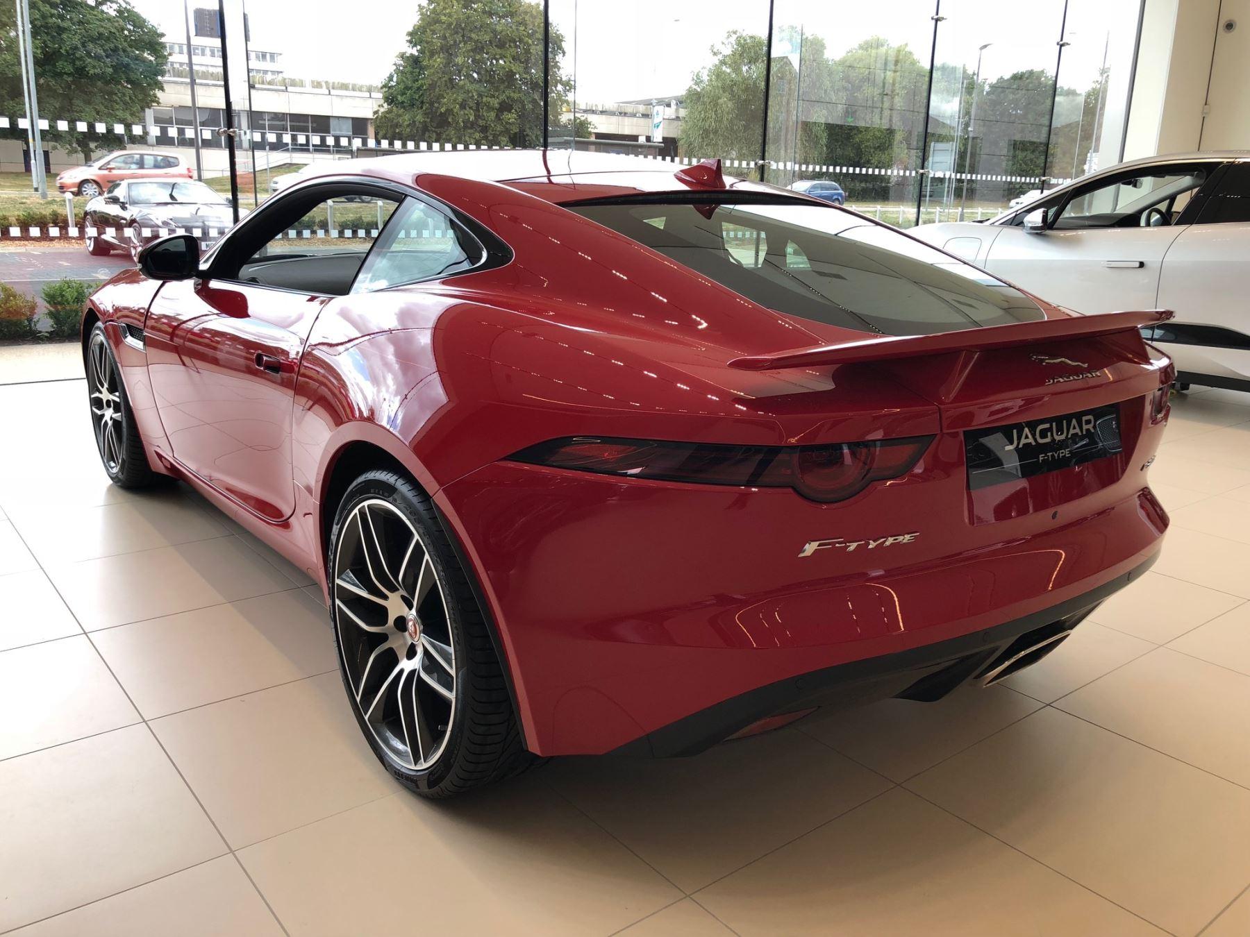 Jaguar F-TYPE 2.0 300PS RWD R-Dynamic image 7