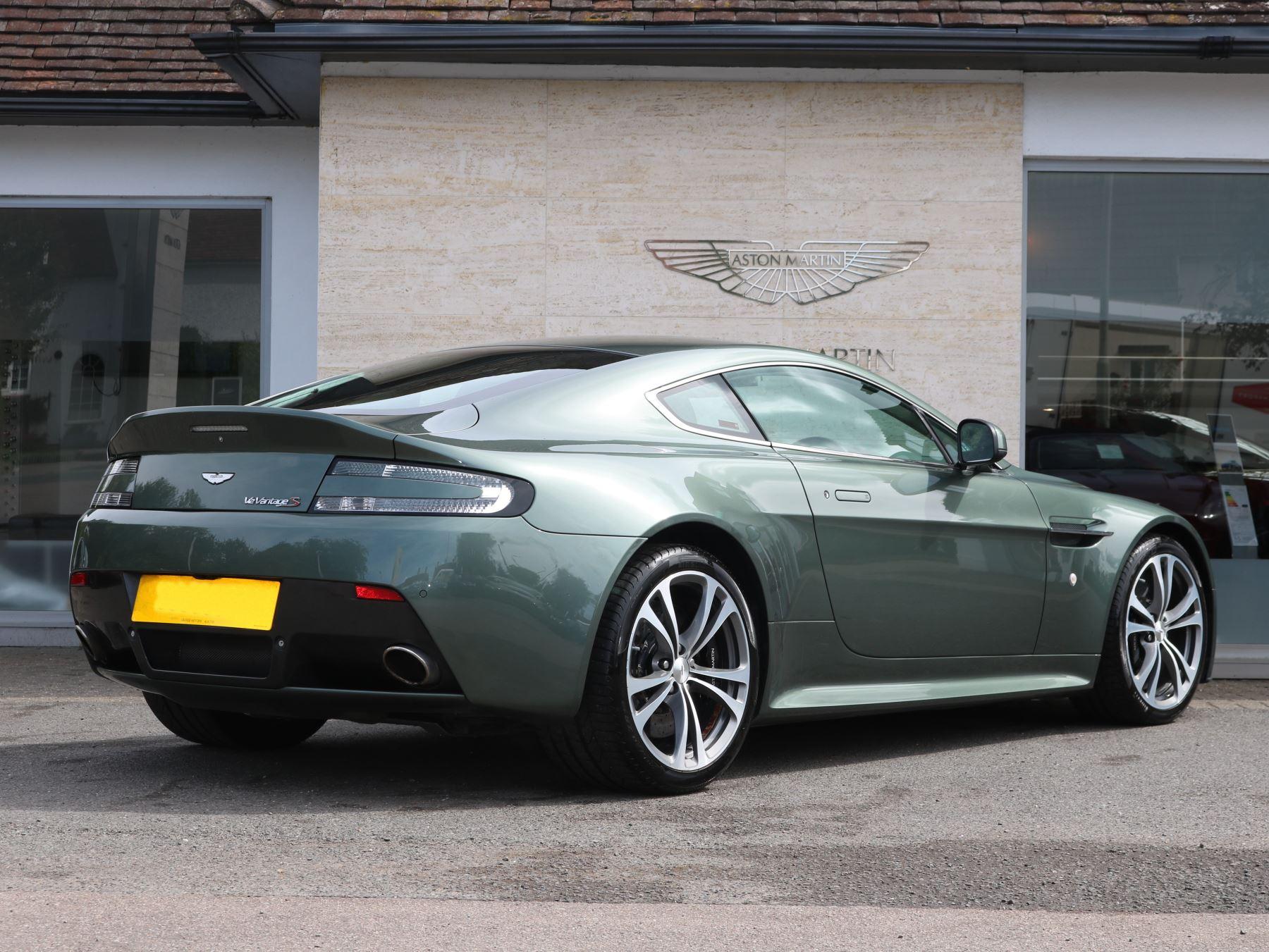 Aston Martin V Vantage S Coupe Dr Sportshift III Automatic - Aston martin v12