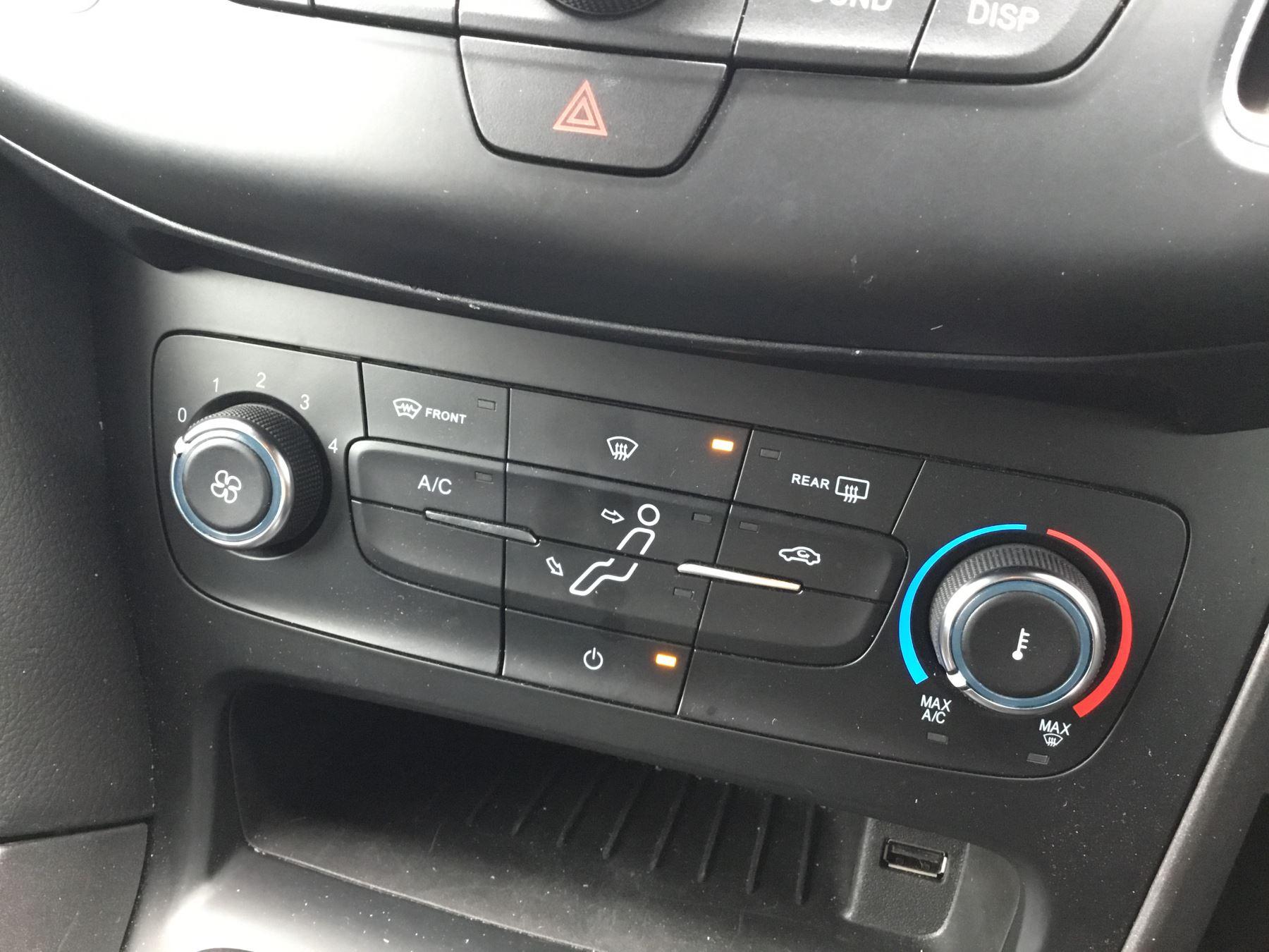 Ford Focus 10 Ecoboost 125 St Line 5dr Hatchback 2017 At Jaguar Seat Post Suspension Zoom Ready Size 316 Image 13