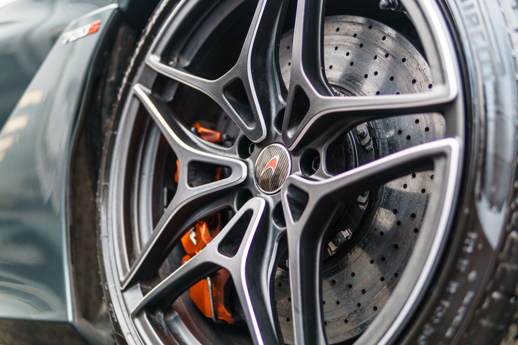 McLaren 720S Performance V8 Coupe SSG image 22