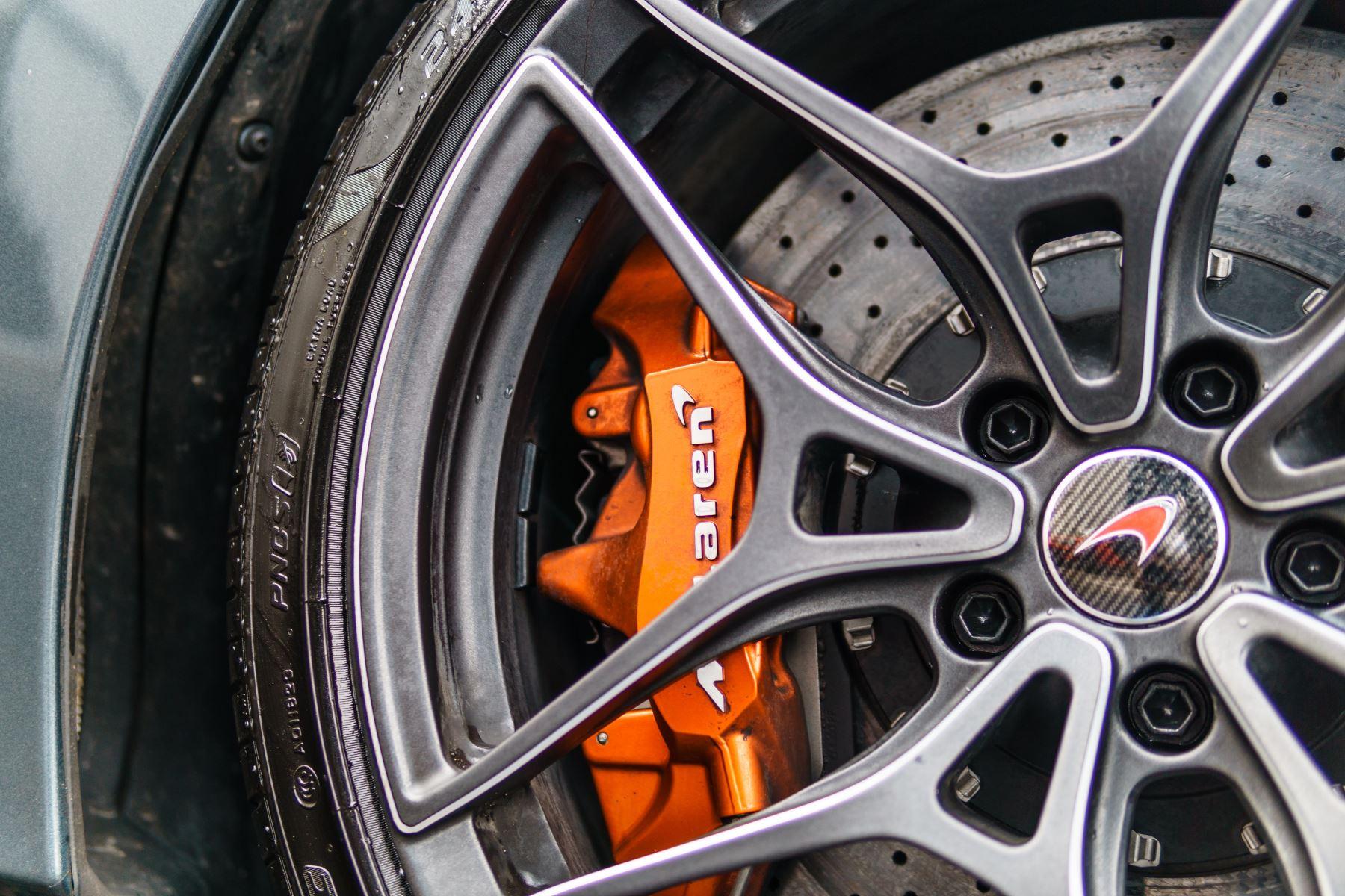 McLaren 720S Performance V8 Coupe SSG image 23