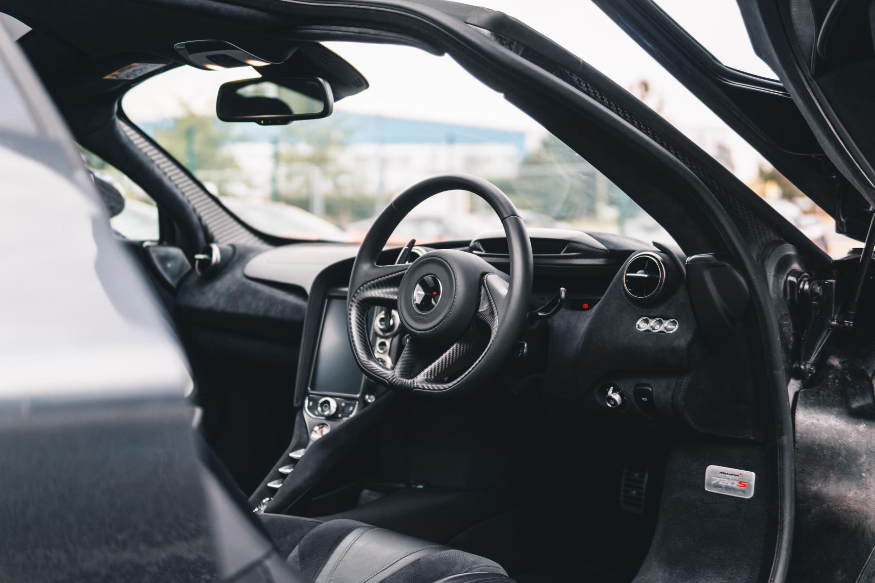 McLaren 720S Performance V8 Coupe SSG image 26