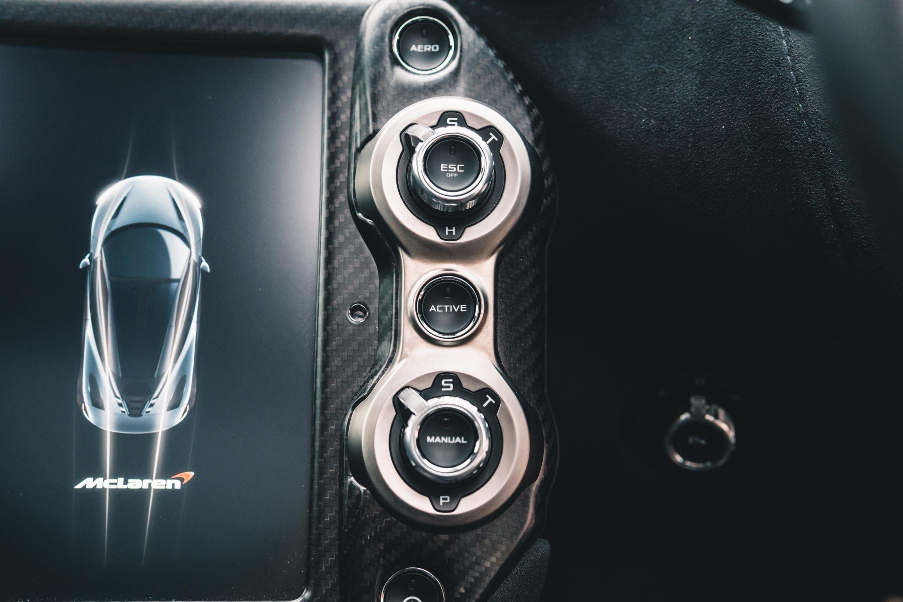 McLaren 720S Performance V8 Coupe SSG image 44