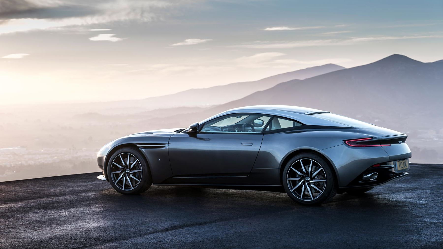Aston Martin DB11 V12 with 5 years free servicing* image 3