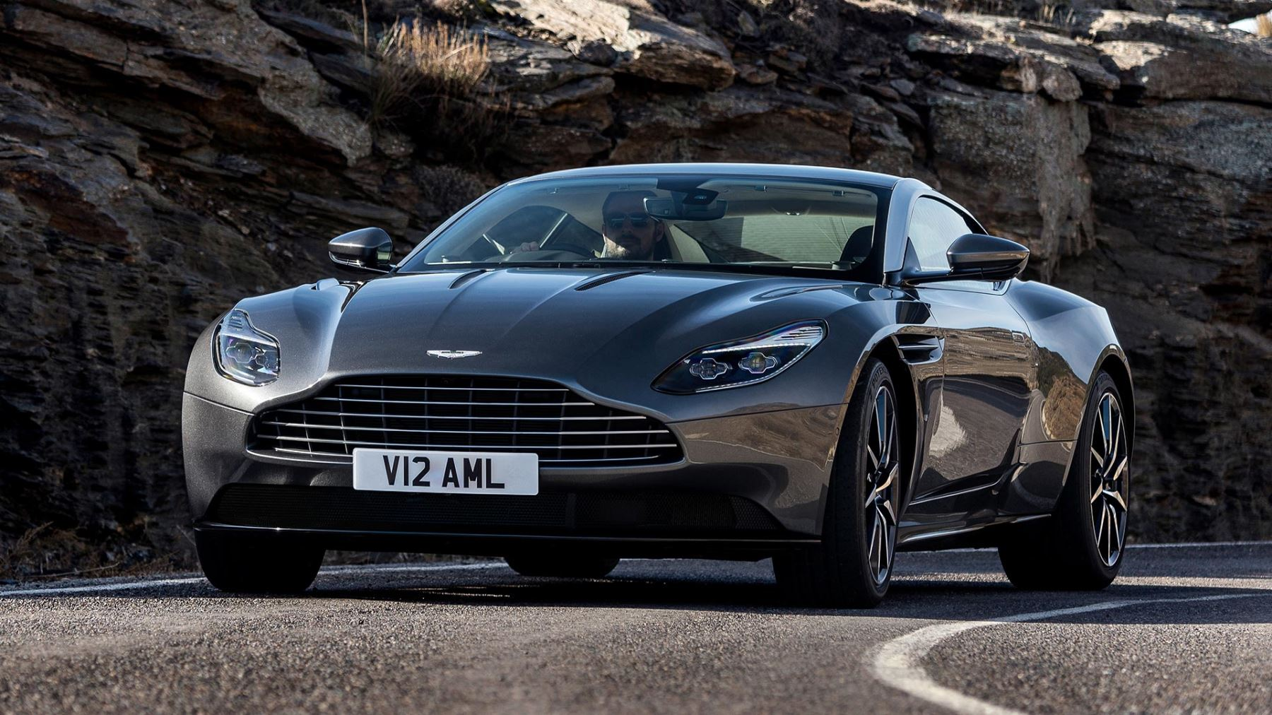 Aston Martin DB11 V12 with 5 years free servicing* image 10