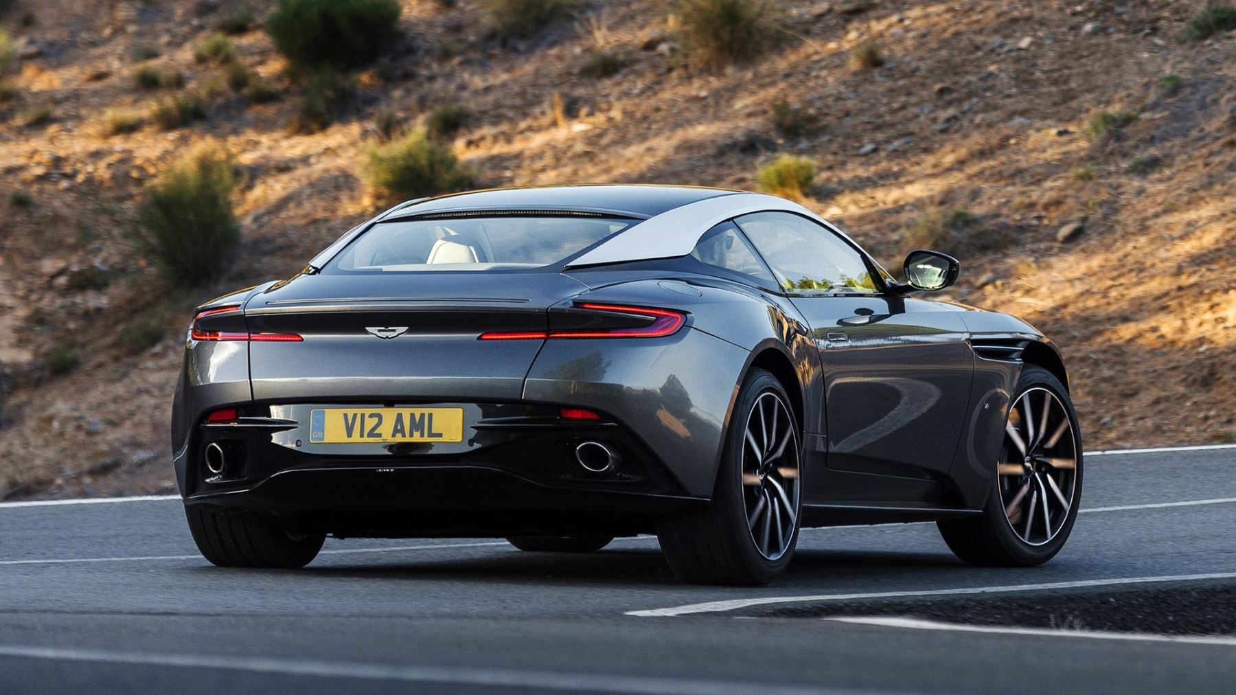 Aston Martin DB11 V12 with 5 years free servicing* image 11
