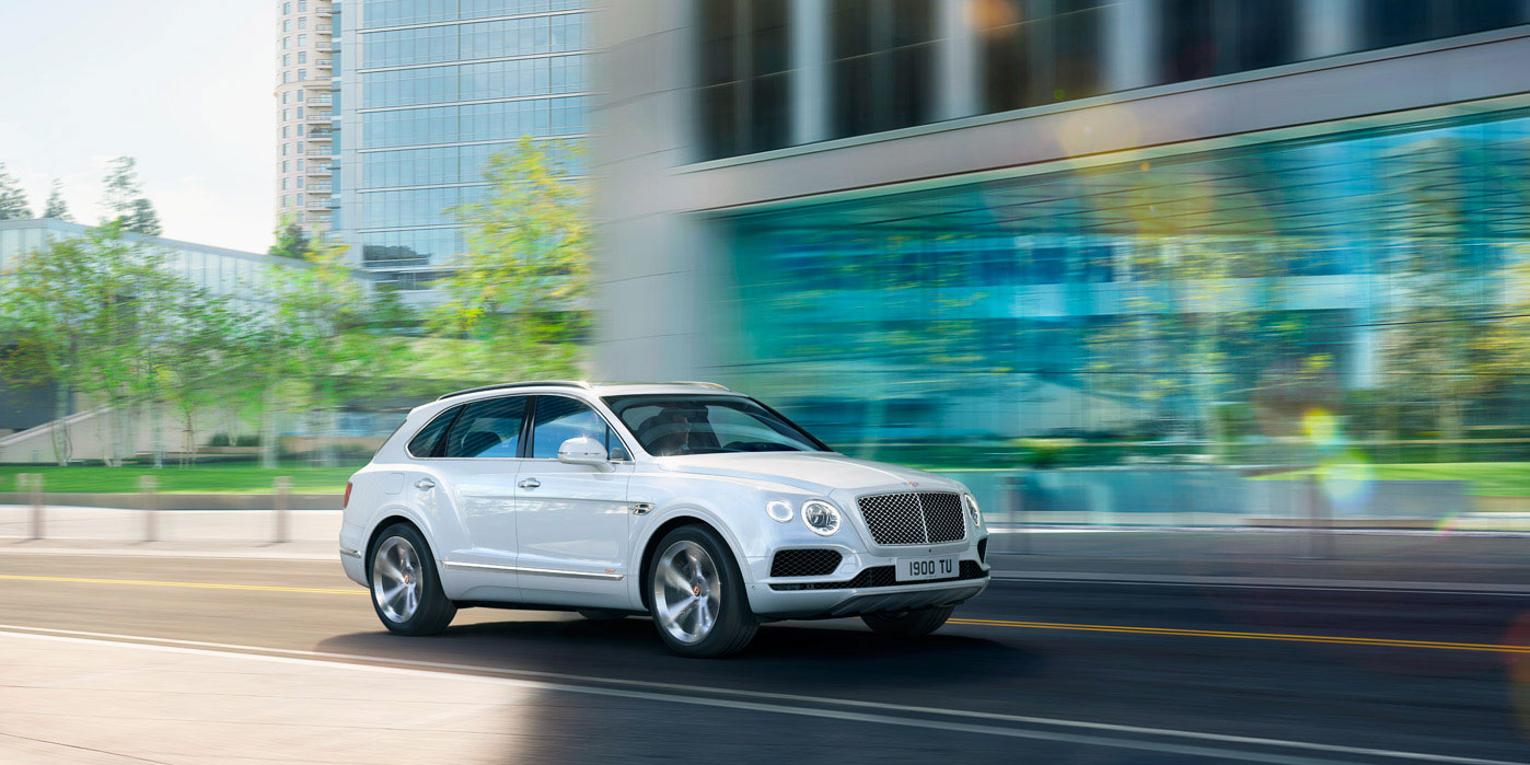 Bentley Bentayga Hybrid -  Bentley's first luxury hybrid image 6