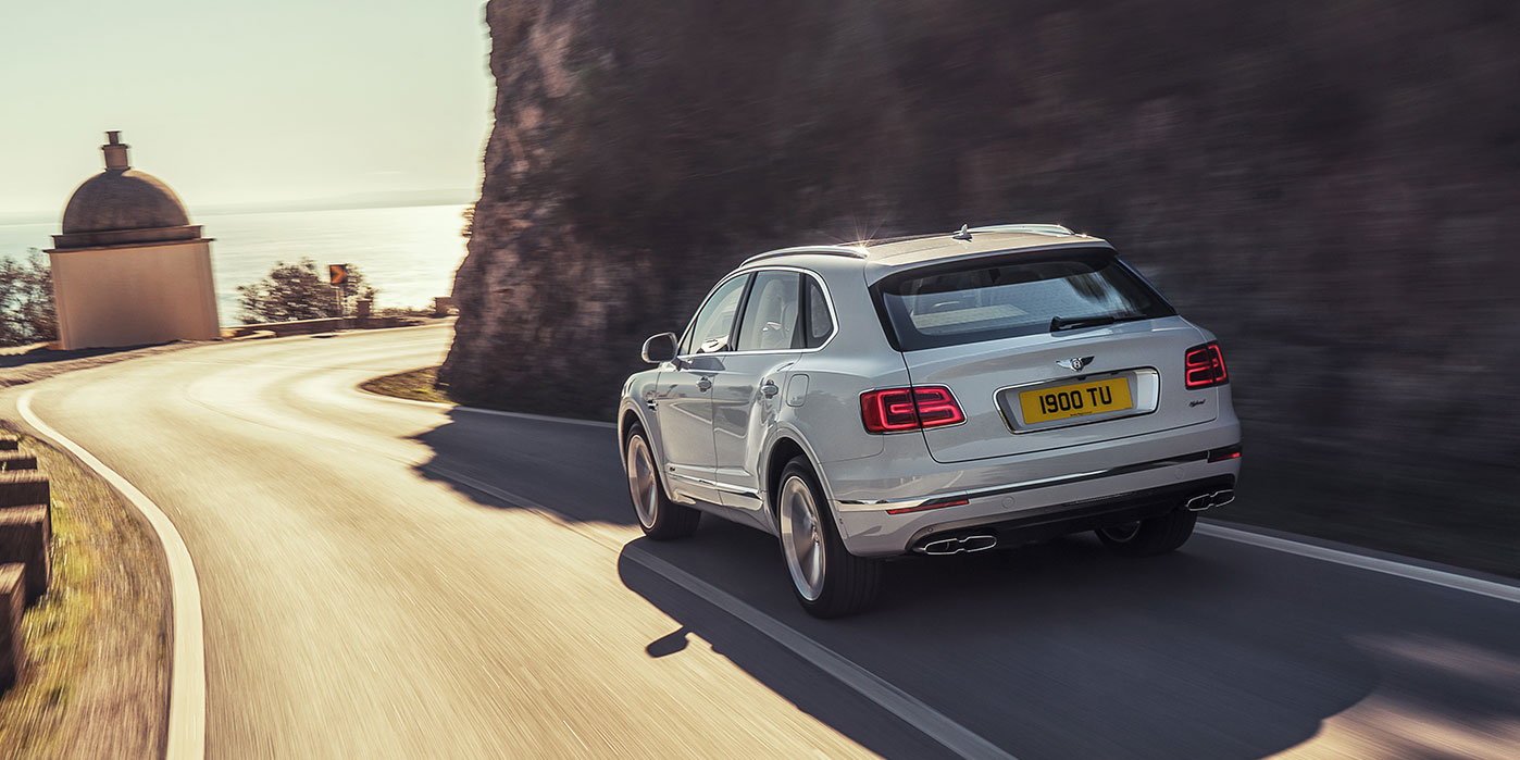 Bentley Bentayga Hybrid -  Bentley's first luxury hybrid image 8