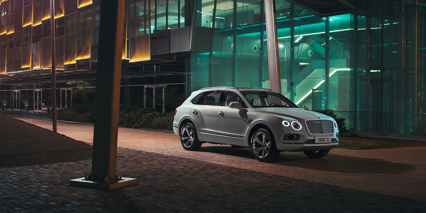 Bentley Bentayga Hybrid -  Bentley's first luxury hybrid image 18