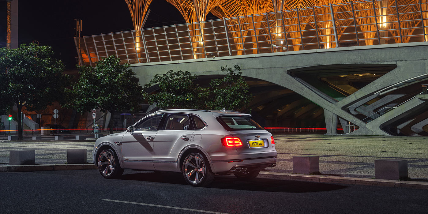 Bentley Bentayga Hybrid -  Bentley's first luxury hybrid image 20