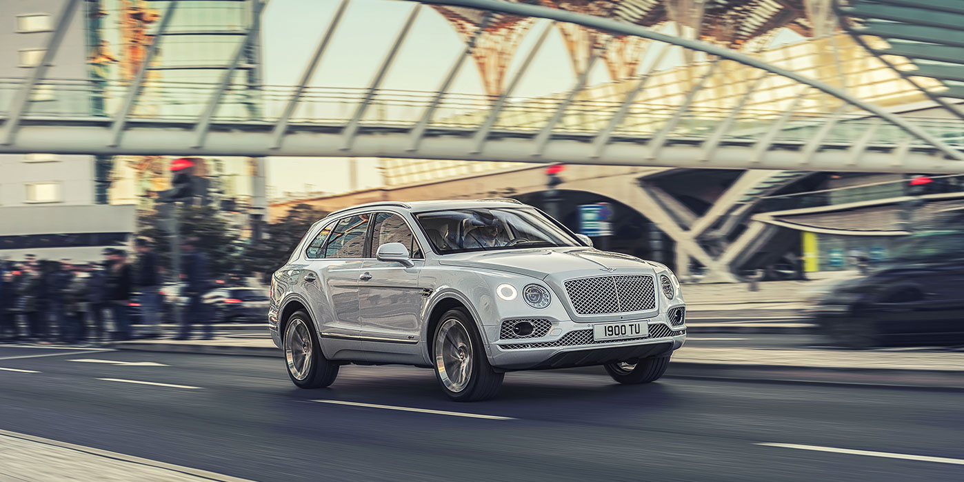 Bentley Bentayga Hybrid -  Bentley's first luxury hybrid image 10