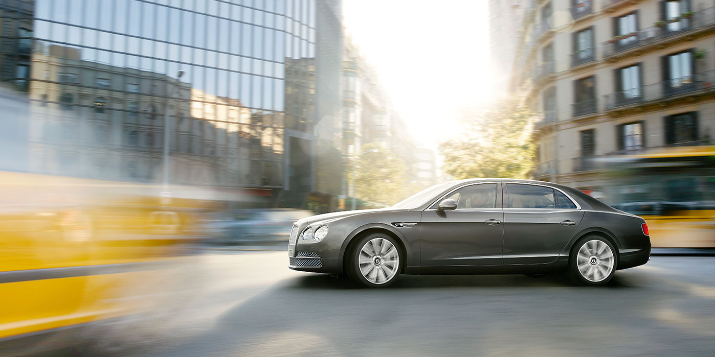 Bentley Flying Spur - Exhilarating luxury, all-wheel drive power image 5