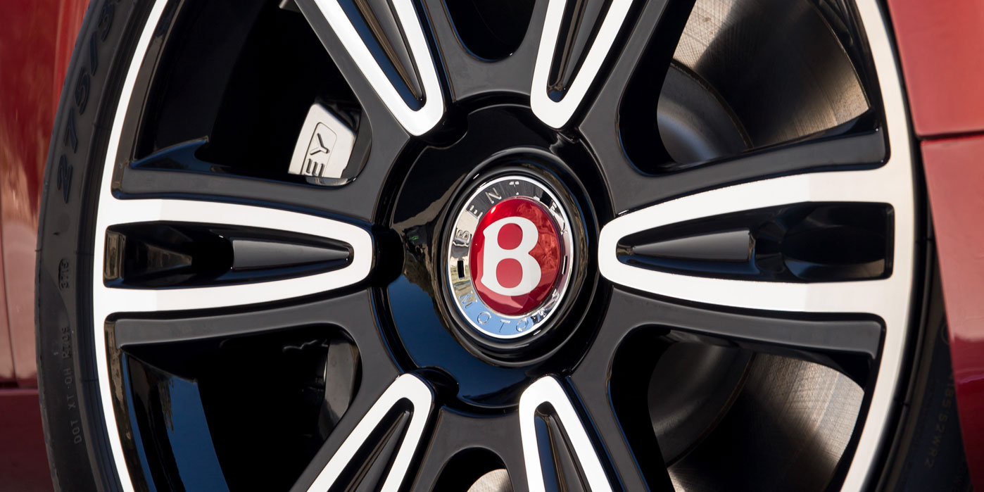 Bentley Flying Spur V8 S - Luxury and performance at its heart image 5