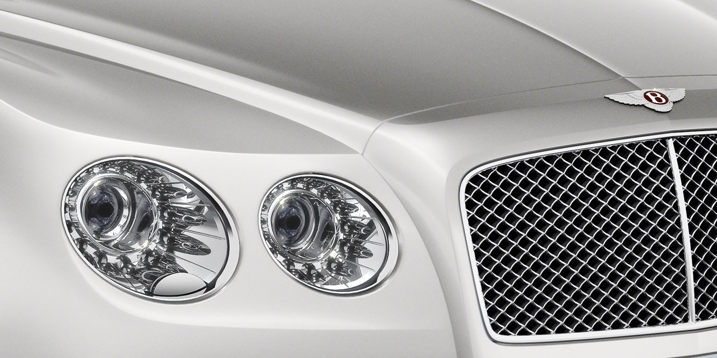 Bentley Flying Spur V8 - Innovatively designed, precision-engineered image 3