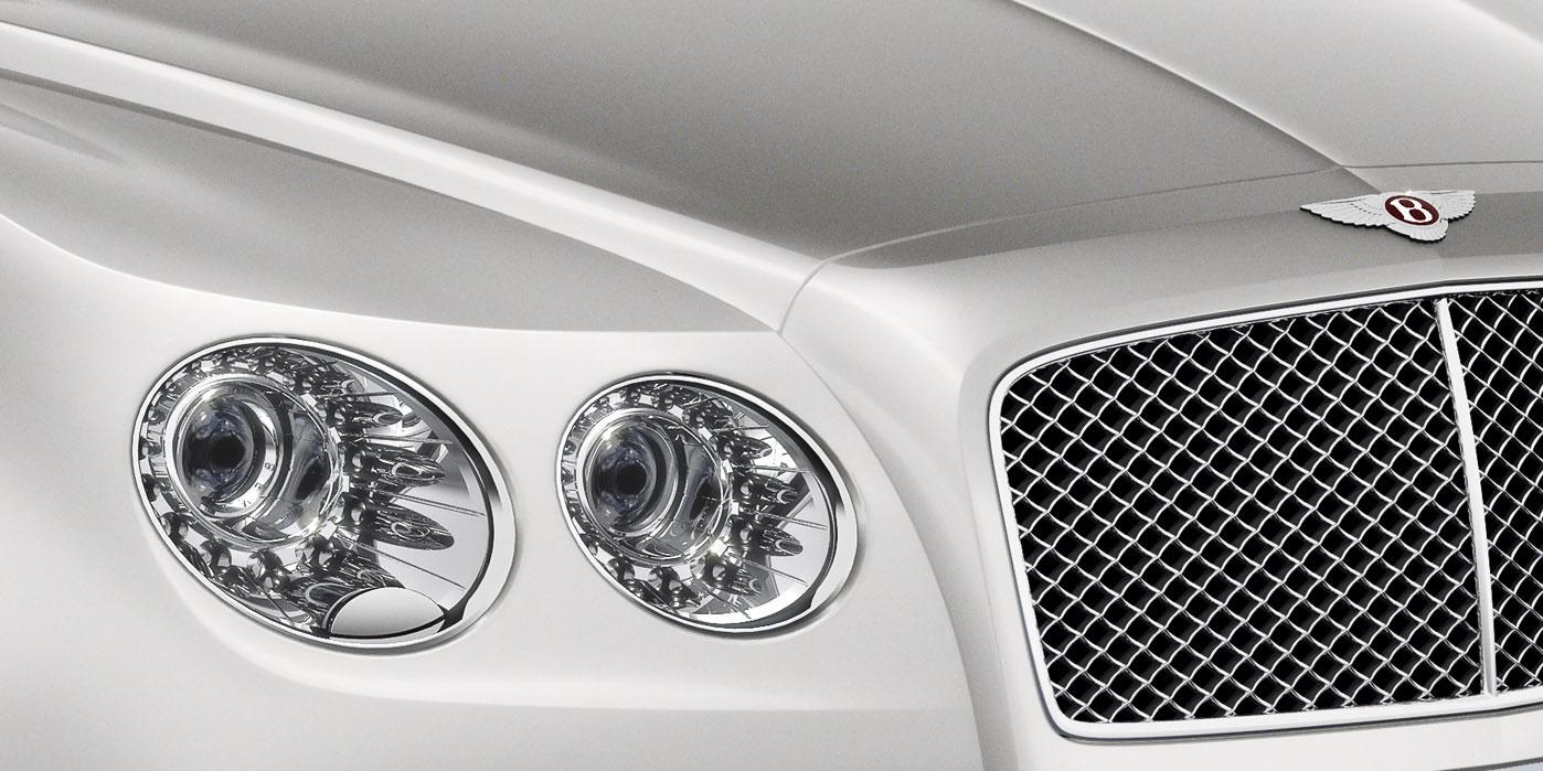 Bentley Flying Spur V8 - Innovatively designed, precision-engineered image 3