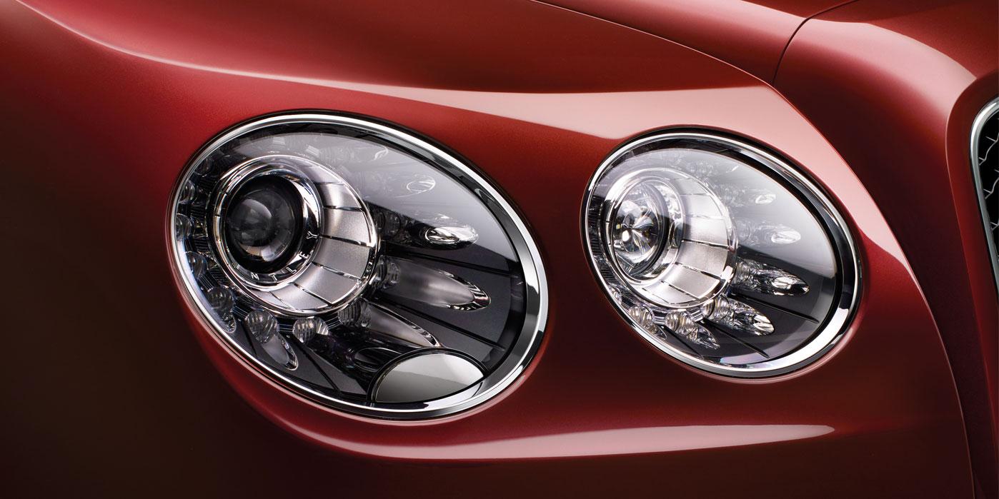 Bentley Flying Spur V8 - Innovatively designed, precision-engineered image 10
