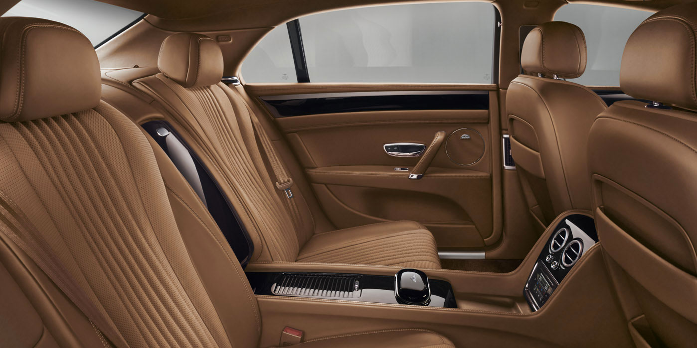 Bentley Flying Spur V8 - Innovatively designed, precision-engineered image 11