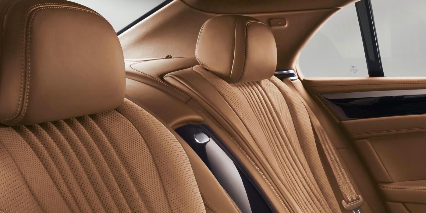 Bentley Flying Spur V8 - Innovatively designed, precision-engineered image 12