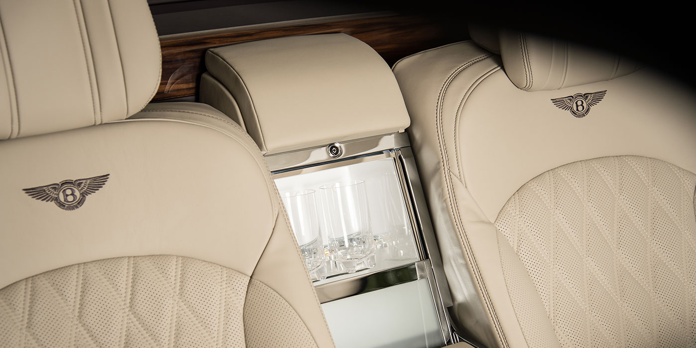 Bentley Mulsanne Extended Wheelbase - The most luxurious car in the range image 17