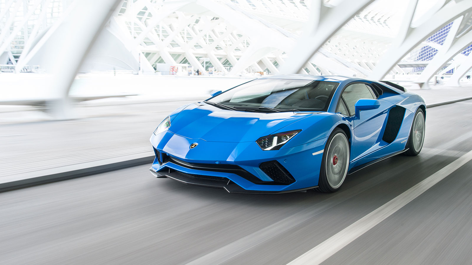 Lamborghini Aventador S Coupe - The Icon Reborn image 24