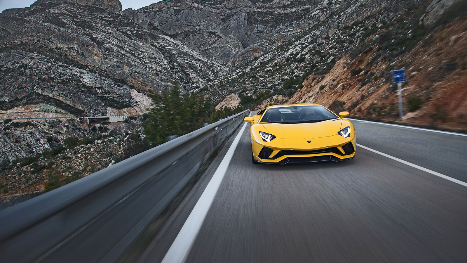 Lamborghini Aventador S Coupe - The Icon Reborn image 29