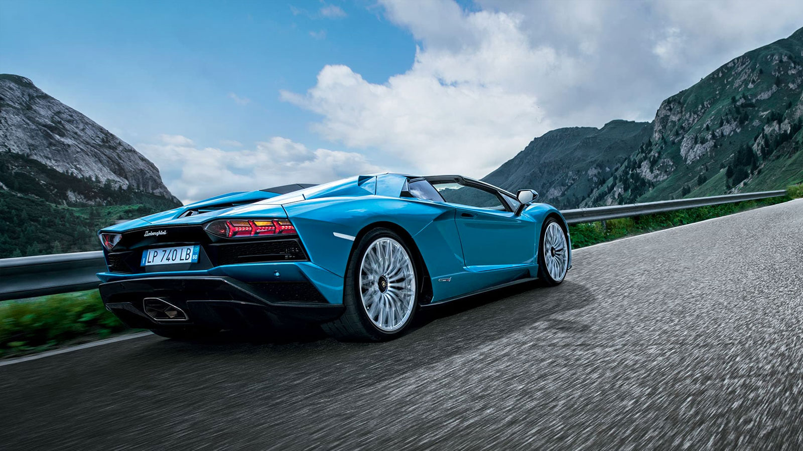 Lamborghini Aventador S Roadster - The Open Top Icon image 8
