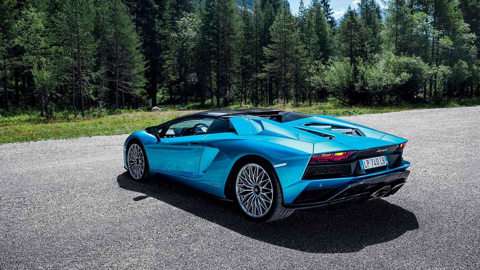 Lamborghini Aventador S Roadster - The Open Top Icon image 11