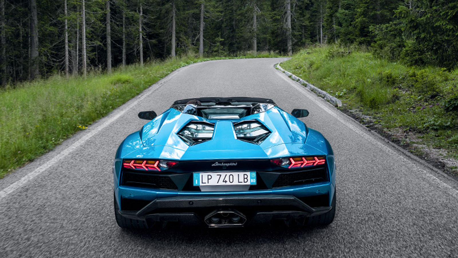 Lamborghini Aventador S Roadster - The Open Top Icon image 13
