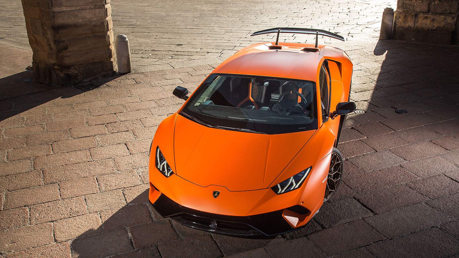 Lamborghini Huracan Performante - Raging Technology image 9